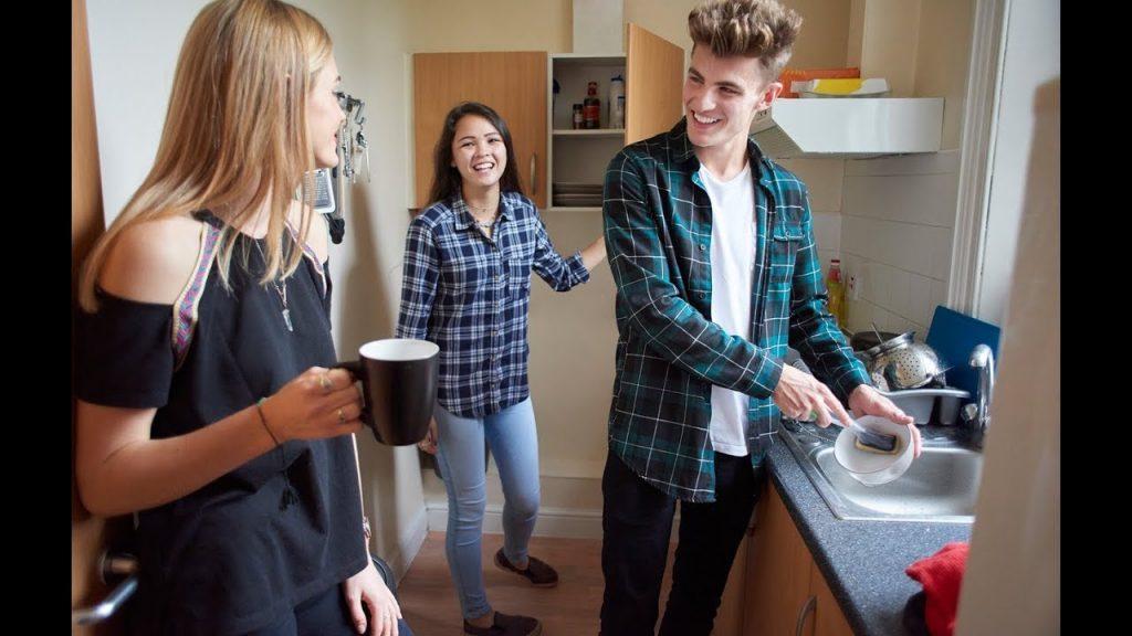 Colocation entre étudiants : Les avantages et les inconvénients